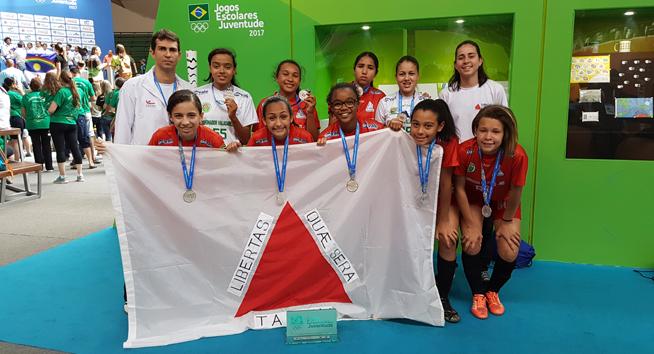 Show em Curitiba! Minas fatura 5 medalhas nas modalidades coletivas.