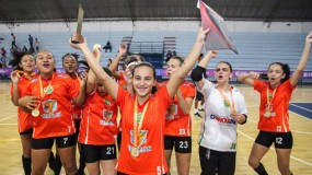 Muita emoção nas finais do futsal feminino módulo II. Assista a reportagem!